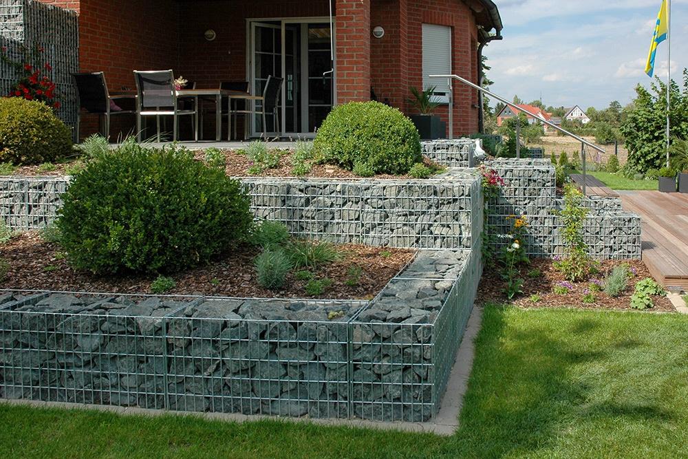 Terrassenförmige Gartengestaltung